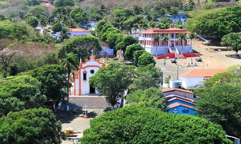 Onde Ficar Em Fernando de Noronha: Vila dos Remédios