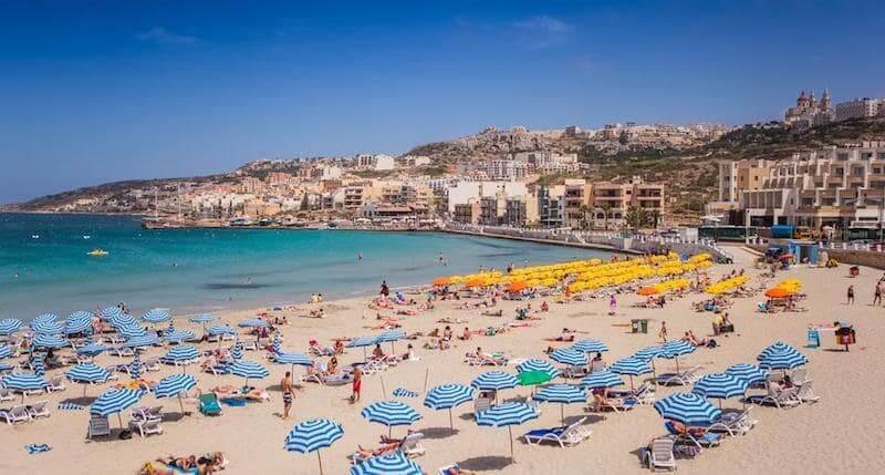 Onde Ficar em Mellieha em Malta: Próximo a Praia